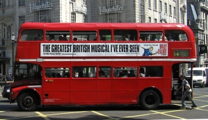 London_General_Routemaster_bus_(RML_class),_Piccadilly_Circus,_route_14,_8_June_2005